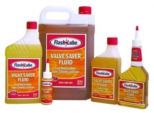 lubryfikator prosto z butelki można dodawać także do zbiornika z benzyną